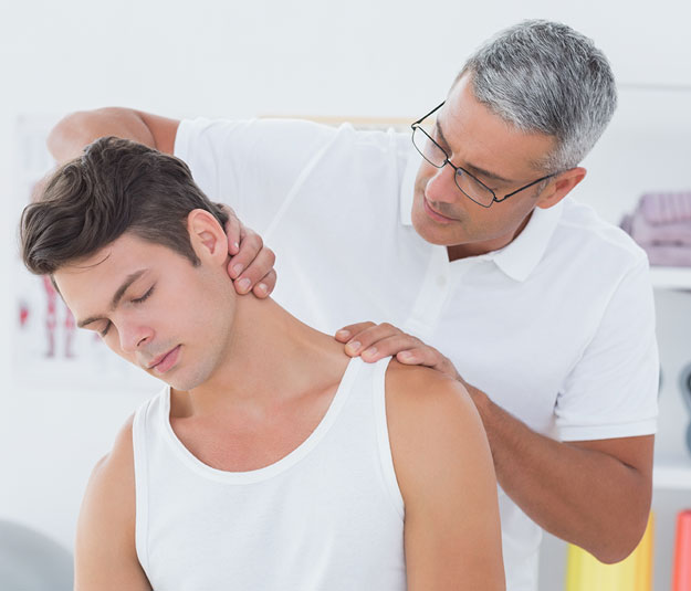 Neck Pain Diagnosis and Treatment With Our Bellmore Chiropractor